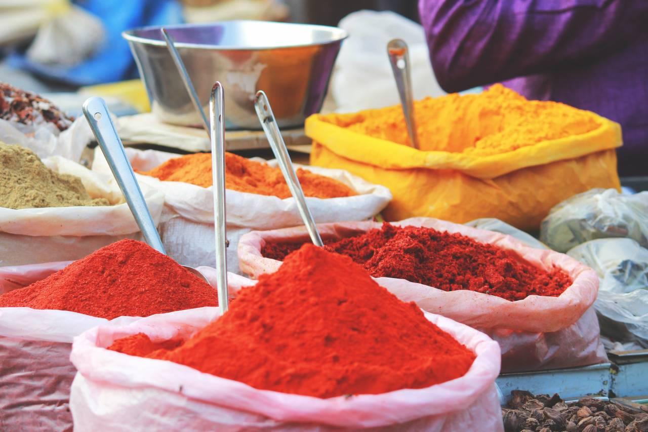 Přemýšlíte, jaká (nejen) vegetariánská jídla zařadit do menu? Nechte se inspirovat indickou kuchyní