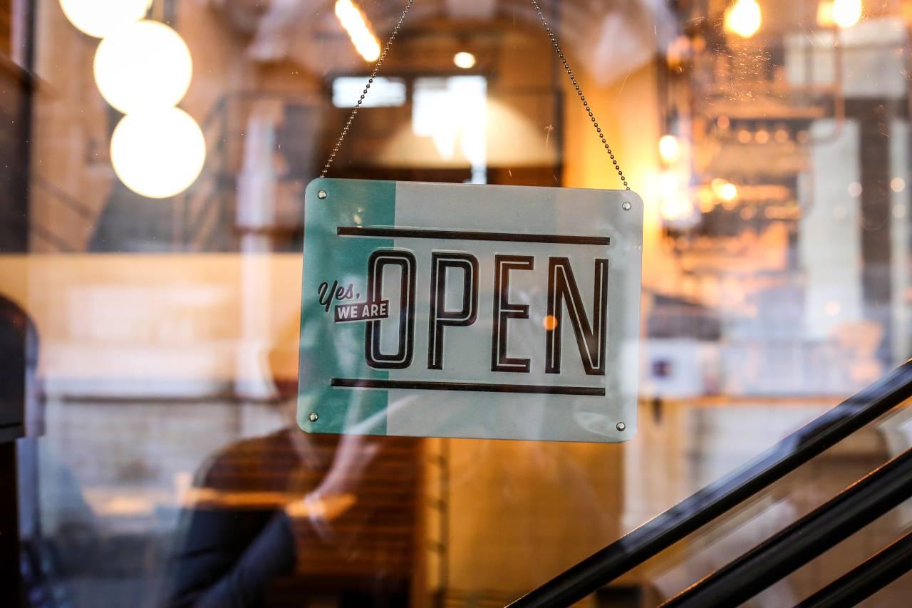 Co je potřeba zařídit před otevřením restaurace a jak se z toho nezbláznit?