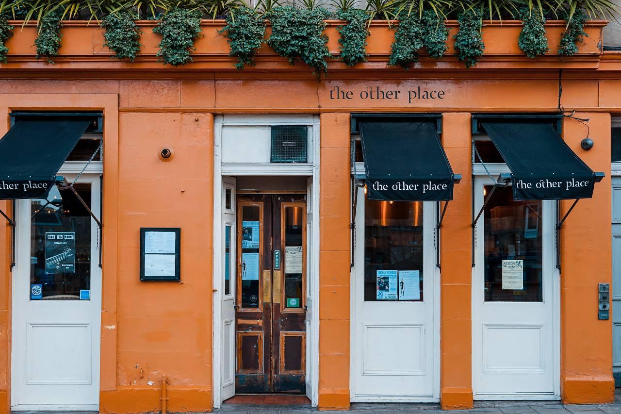 Typy restauračních zařízení: Jak vybrat úspěšný koncept pro svůj podnik?